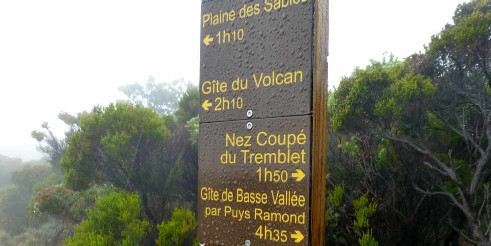 26 mai 2016 - Eruption au Piton de la Fournaise - Ile de la Réunion - Sentier GR2 - Intersection Jacques Payet -
