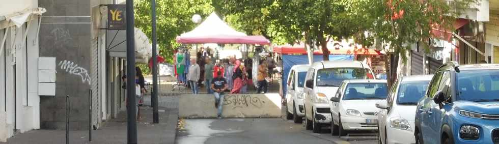 9 mai 2019 - St-Pierre - Braderie commerciale -